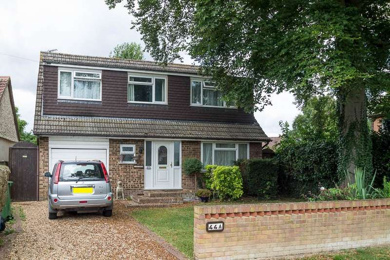 4 Bedrooms Chalet House for sale in Ouseley Road, Wraysbury, TW19