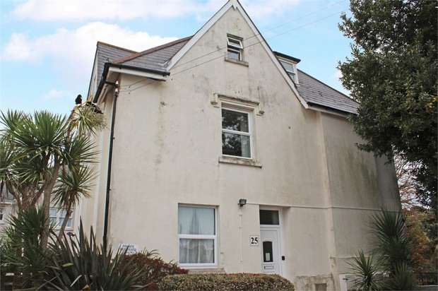 2 Bedrooms Flat for sale in 25 Teignmouth Road, Torquay, Devon