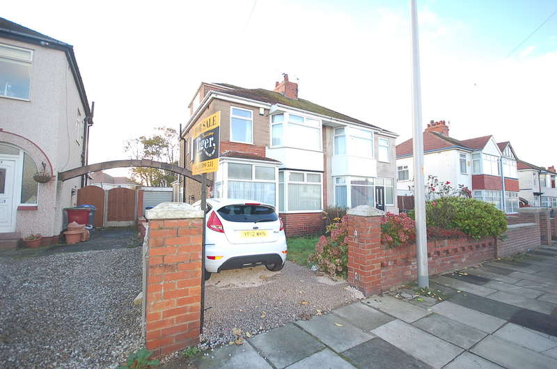 4 Bedrooms Semi Detached House for sale in Norcliffe Road, Blackpool