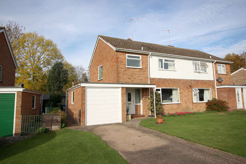 3 Bedrooms Semi Detached House for sale in Castle Road, Kineton