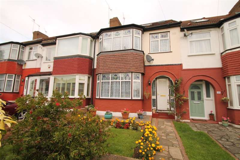 3 Bedrooms Property for sale in The Fairway, London N13
