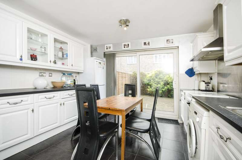 3 Bedrooms House for sale in Daubeney Road, Clapton, E5