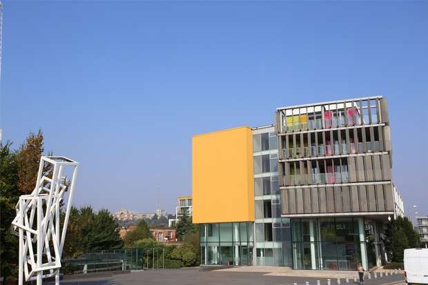 1 Bedroom Flat for sale in Amazon Apartments, New River Avenue, LONDON