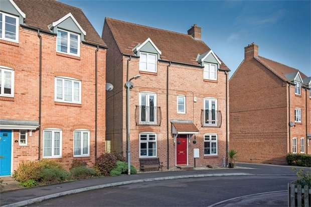 5 Bedrooms Detached House for sale in Mulberry Close, Desborough, Kettering, Northamptonshire