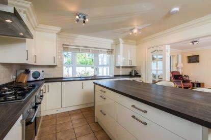 4 Bedrooms Bungalow for sale in Newton St. Faith, Norwich, Norfolk