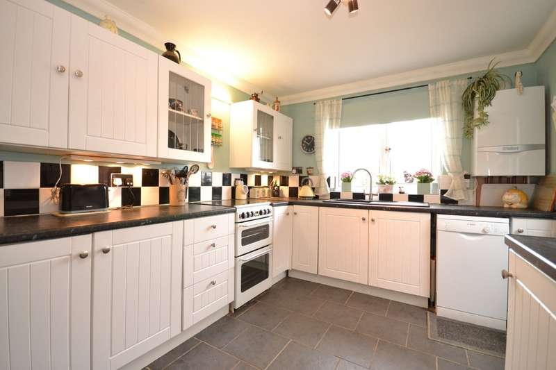 2 Bedrooms Semi Detached Bungalow for sale in Binstead, Isle Of Wight