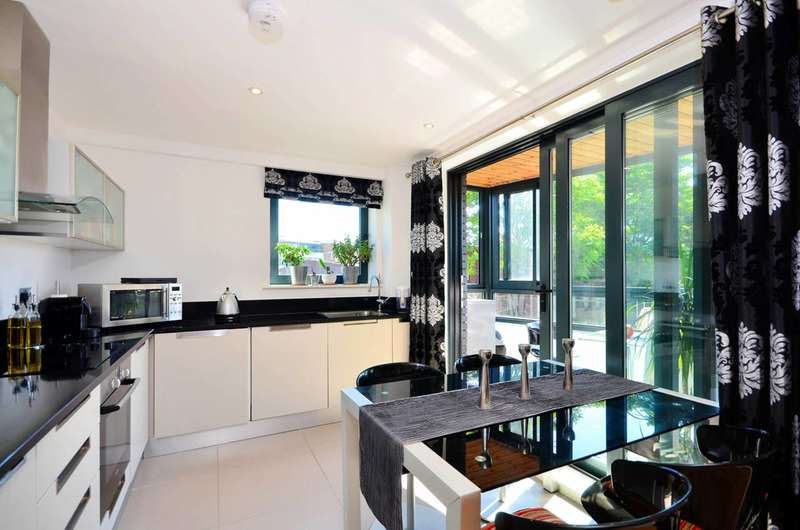 2 Bedrooms Flat for sale in Weston Street, Borough, SE1