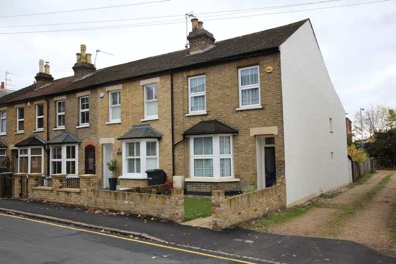 2 Bedrooms Terraced House for sale in Lord Street, Hoddesdon