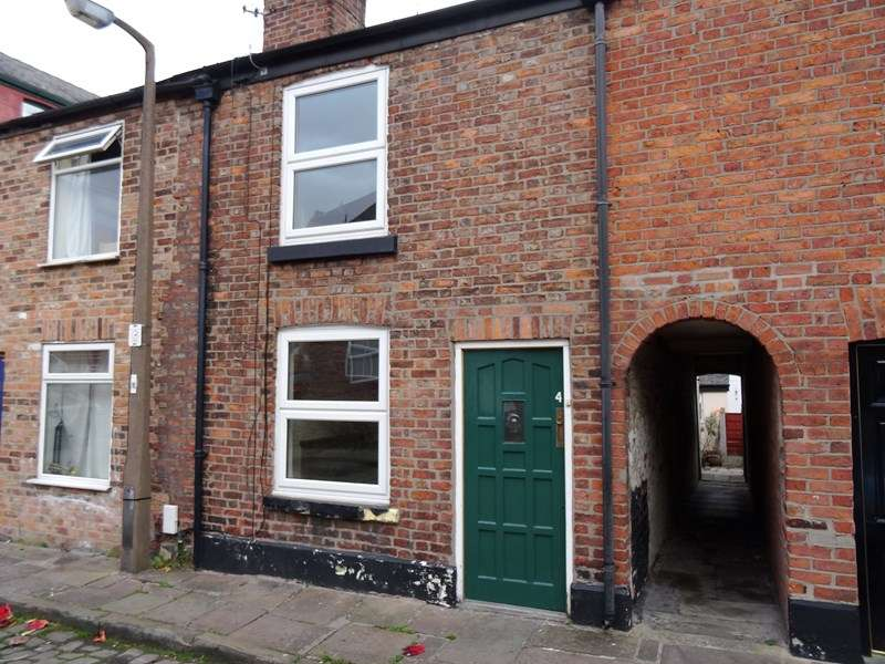 2 Bedrooms Terraced House for sale in Jackson Street, Macclesfield, Cheshire, SK11 7PS