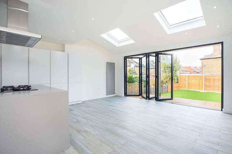 4 Bedrooms Semi Detached House for sale in Cambridge Road, New Malden, KT3