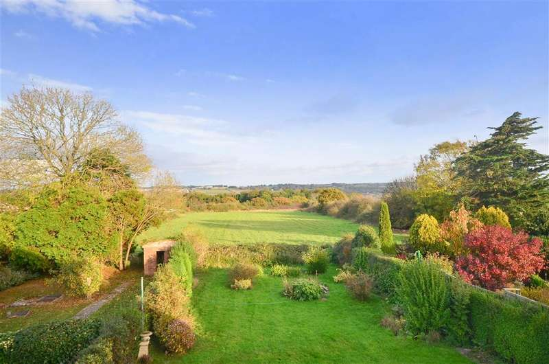3 Bedrooms Detached House for sale in Newport Road, Cowes, Isle of Wight