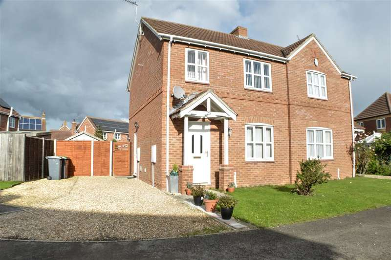 3 Bedrooms Semi Detached House for sale in Mayflower Drive, Heckington