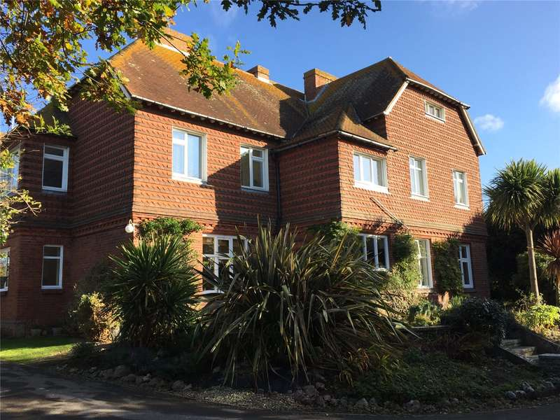 2 Bedrooms Apartment Flat for sale in Ffynches Lodge, 18 The Street, Rustington, BN16