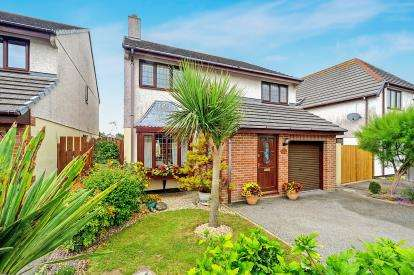 4 Bedrooms Detached House for sale in Trencreek, Newquay, Cornwall