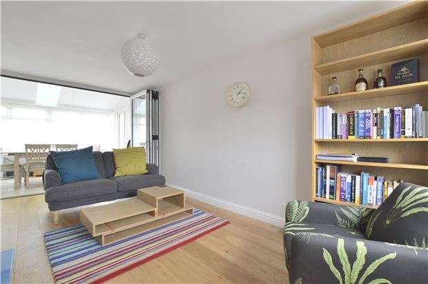 2 Bedrooms Detached House for sale in Wontley Drive, Bishops Cleeve, Cheltenham, Glos, GL52 8EY