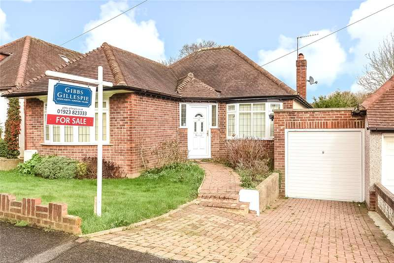 2 Bedrooms Bungalow for sale in Hillside Gardens, Northwood, Middlesex, HA6