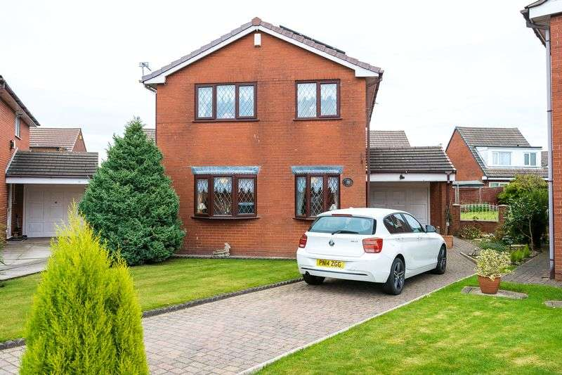4 Bedrooms Detached House for sale in Northways, Standish