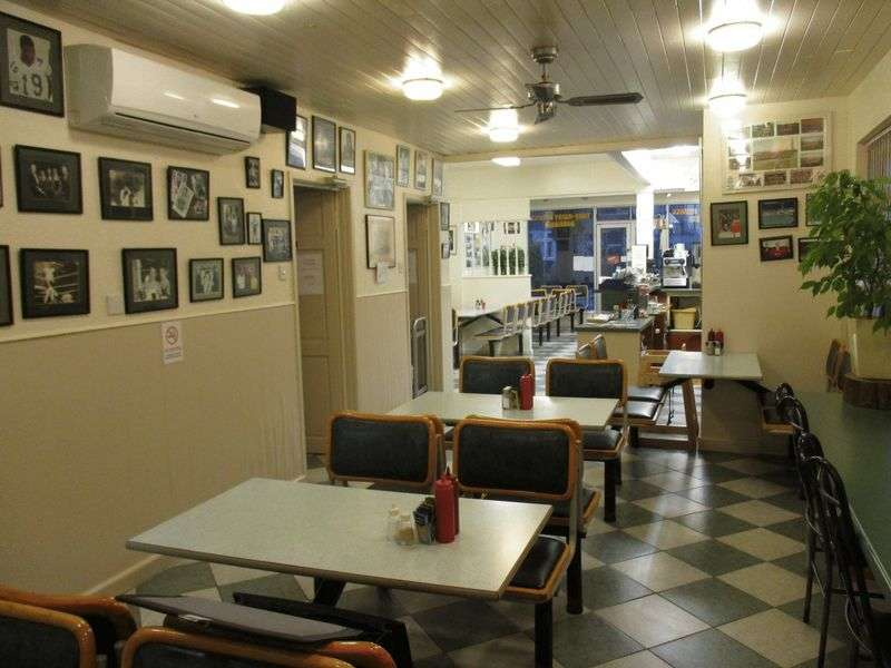 Property for sale in Traditional leasehold cafe