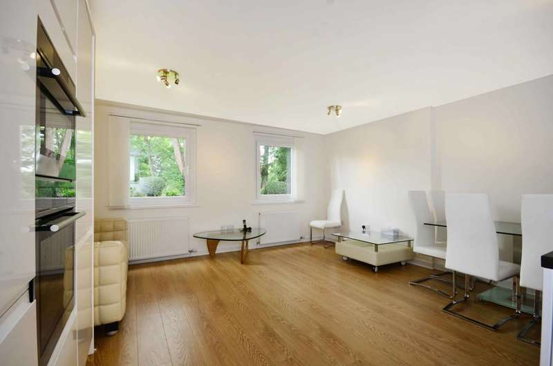 3 Bedrooms Flat for sale in Kingston Hill, Kingston Hill, KT2