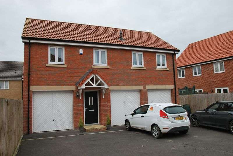 2 Bedrooms Flat for sale in Jay Drive, Old Sarum, Salisbury