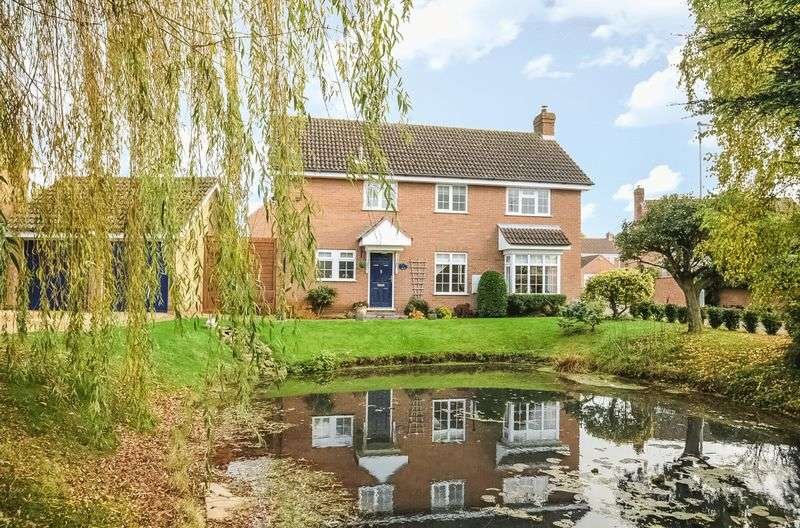 4 Bedrooms Detached House for sale in Tort Hill, Sawtry