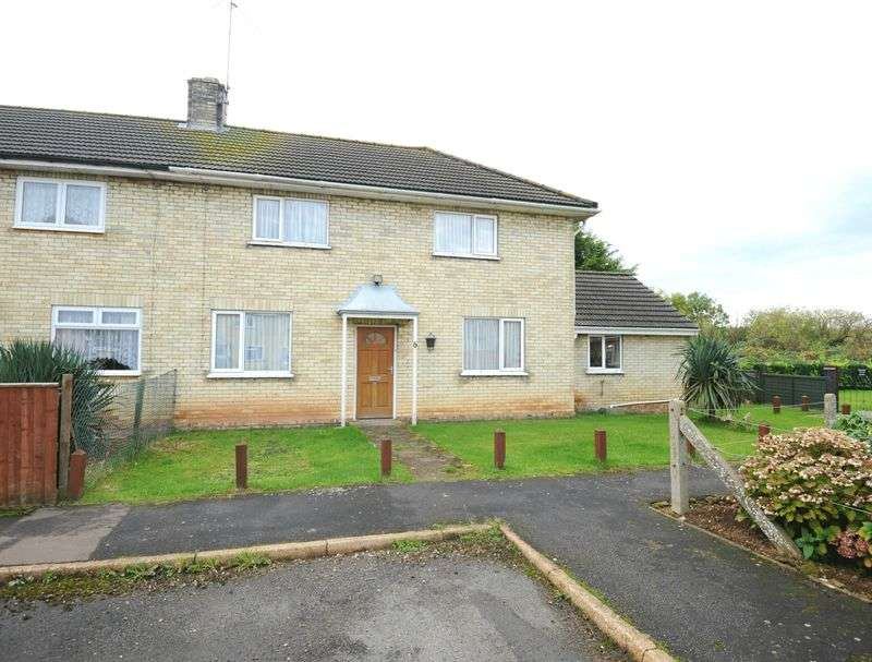 3 Bedrooms Semi Detached House for sale in Edinburgh Place, Kings Lynn