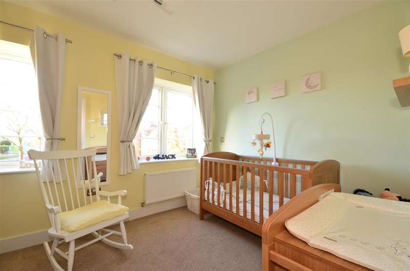 2 Bedrooms End Of Terrace House for sale in Stockbridge Road, Chichester, West Sussex