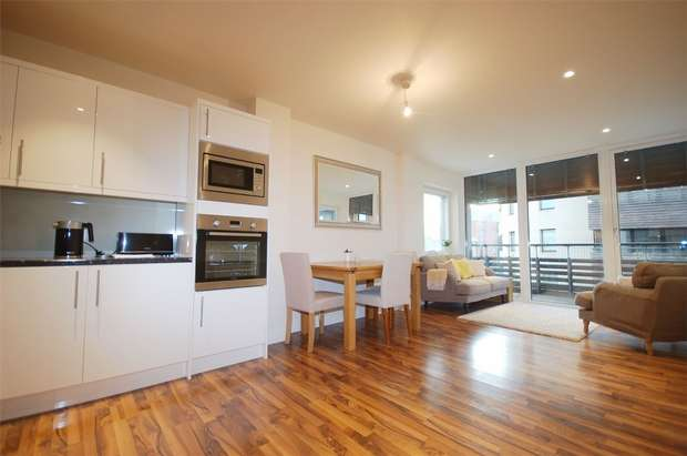 2 Bedrooms Flat for sale in 2 Hillside, Harlesden, London