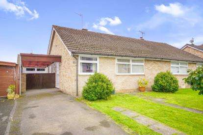 2 Bedrooms Bungalow for sale in Tennyson Road, Dursley, Gloucestershire, England