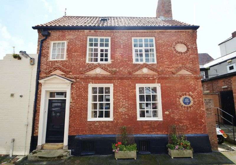 3 Bedrooms House for sale in Quay Street, Scarborough