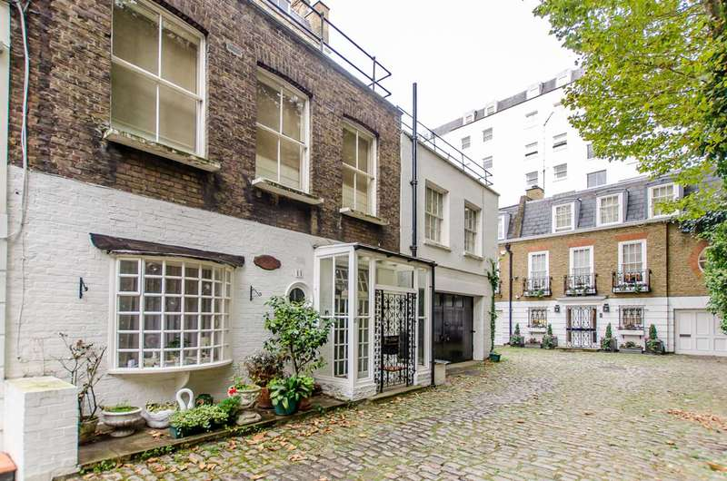 1 Bedroom Flat for sale in Gate Mews, Knightsbridge, SW7