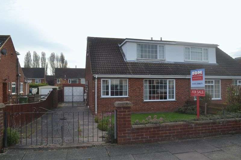 3 Bedrooms Semi Detached Bungalow for sale in Priory Road, Grimsby