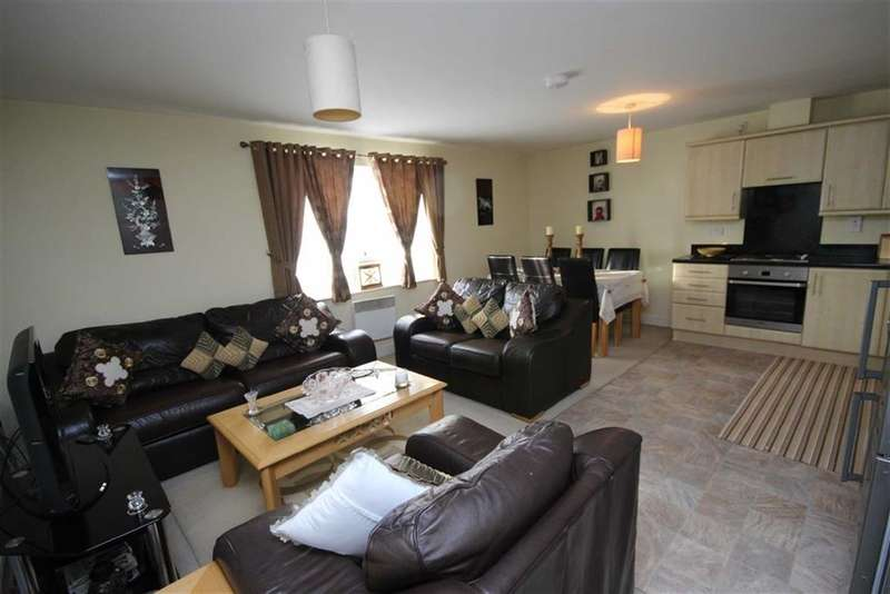2 Bedrooms Property for sale in Cricklade Road, Gorse Hill, Swindon
