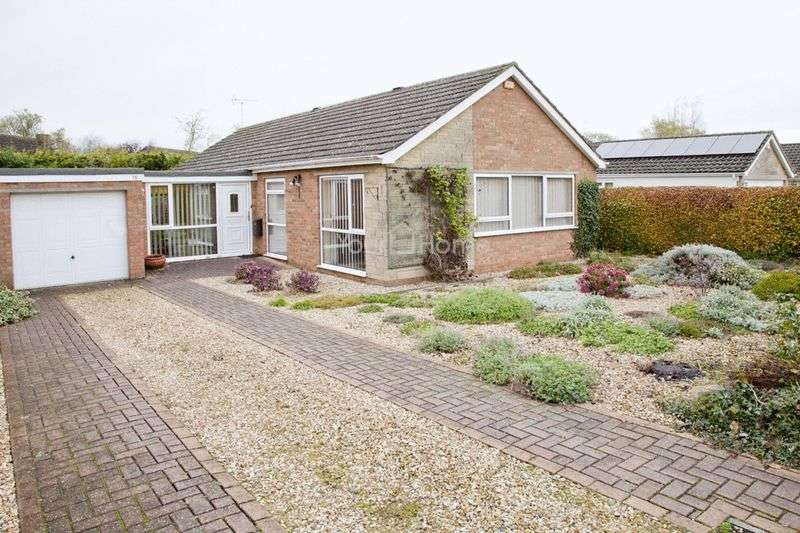 3 Bedrooms Detached Bungalow for sale in Holme Drive, Lincoln