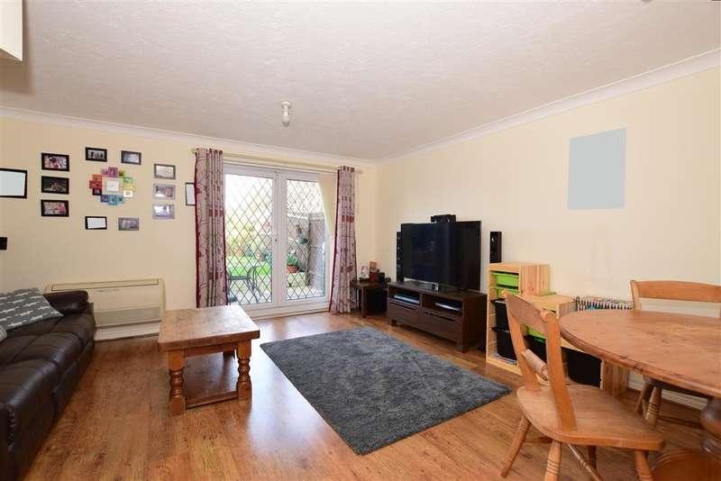 4 Bedrooms Terraced House for sale in Turner Road, Bean, Dartford, Kent