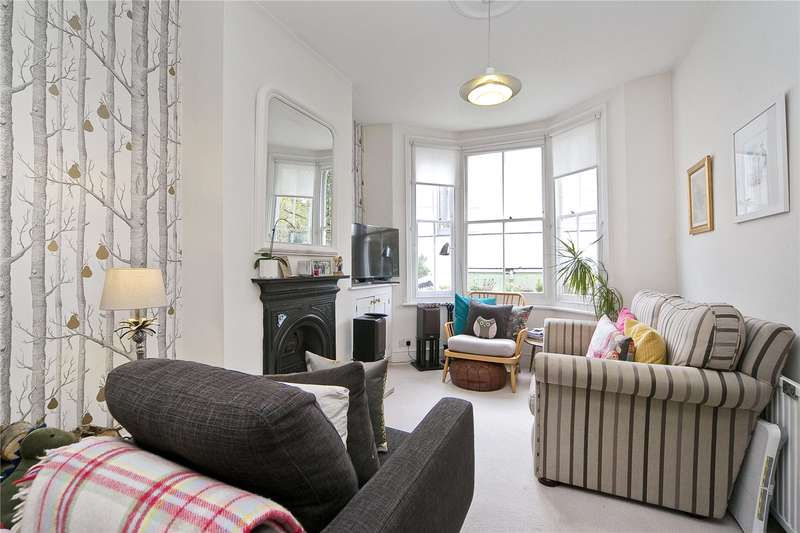 3 Bedrooms House for sale in Connor Street, South Hackney, E9
