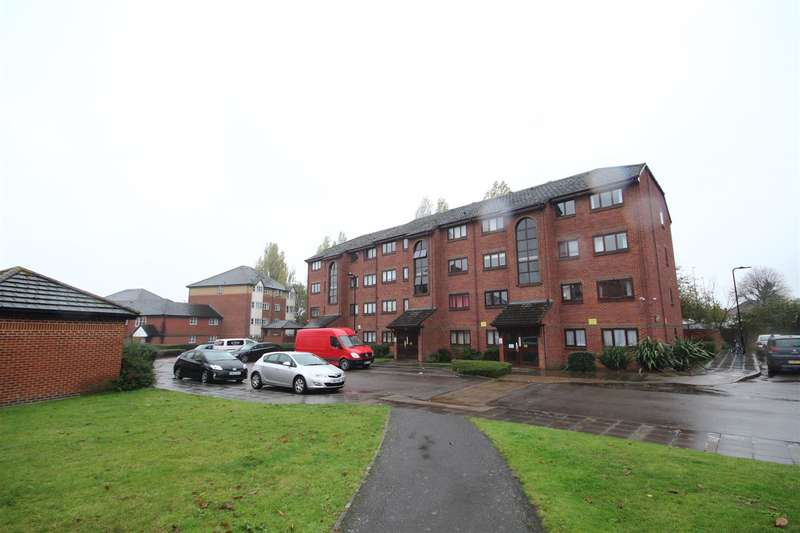 2 Bedrooms Flat for sale in Cotton Avenue, London W3