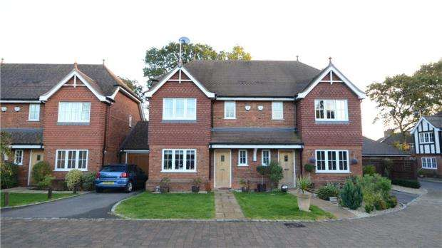4 Bedrooms Semi Detached House for sale in Winbury Place, Maidenhead, Berkshire
