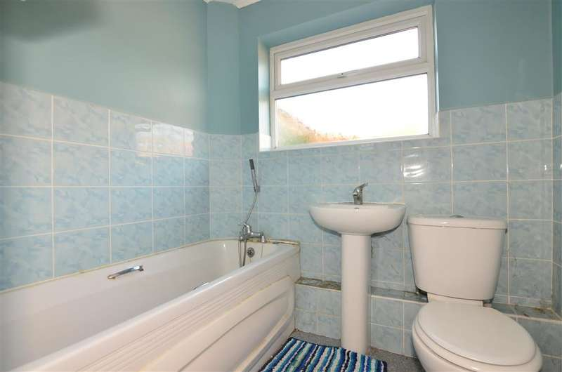 2 Bedrooms Semi Detached Bungalow for sale in Brunswick Road, Birchington, Kent