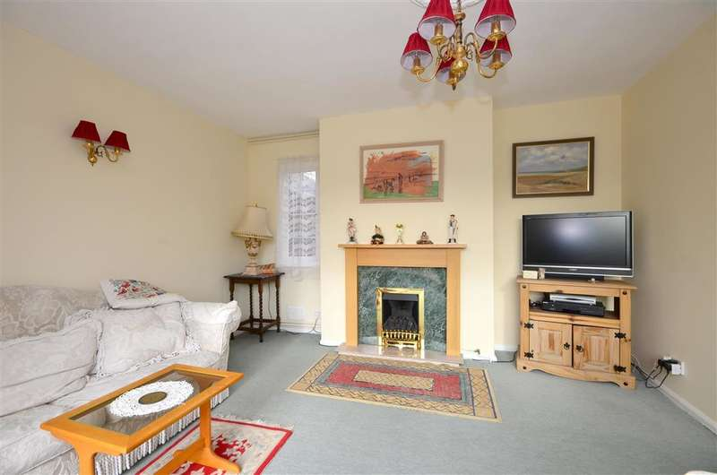 4 Bedrooms Detached House for sale in Littlestone Road, Littlestone, Kent