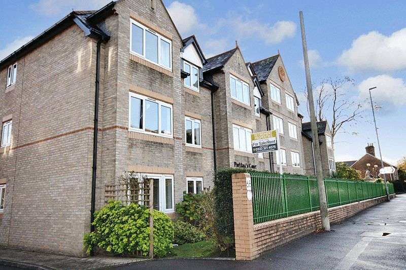 2 Bedrooms Retirement Property for sale in Parklands Court, Poole, BH15 2QE
