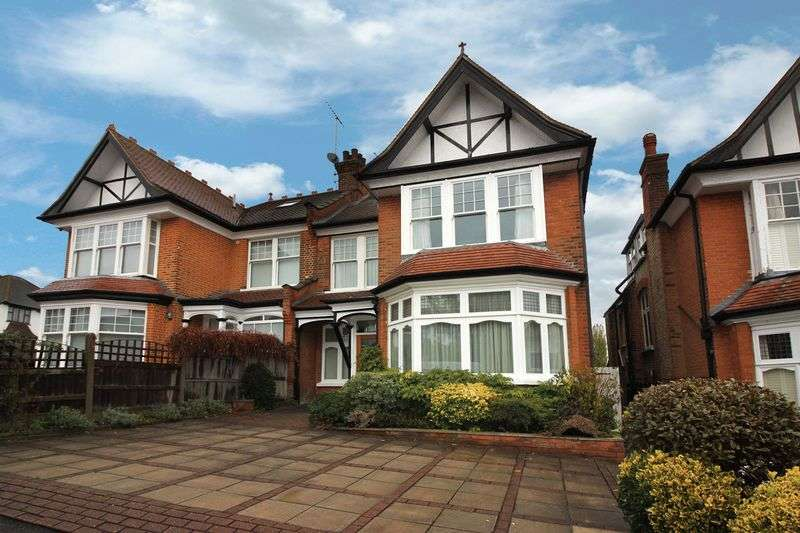 5 Bedrooms Semi Detached House for sale in Queens Avenue, Woodford Green