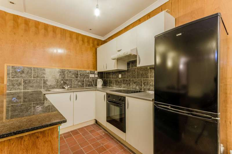 1 Bedroom Flat for sale in Petersham Road, Richmond, TW10