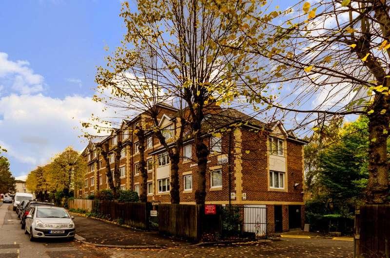 1 Bedroom Flat for sale in Jews Walk, Sydenham, SE26