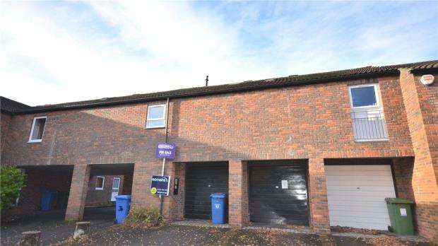 2 Bedrooms Maisonette Flat for sale in Kimberley, Bracknell, Berkshire