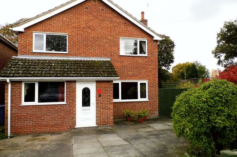 4 Bedrooms Detached House for sale in Anglian Way, MARKET RASEN
