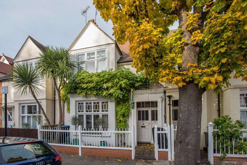 4 Bedrooms House for rent in Blandford Road, Bedford Park, W4