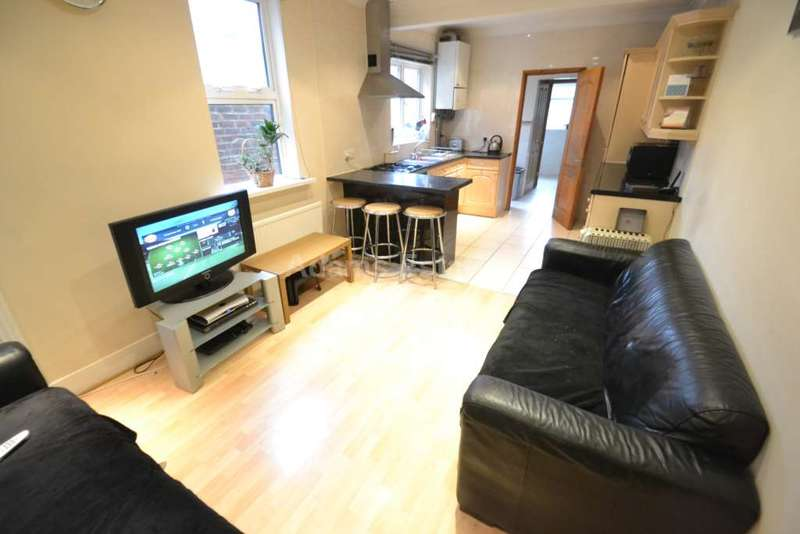 6 Bedrooms Terraced House for rent in 6 BEDROOM HOUSE - London Road, Reading