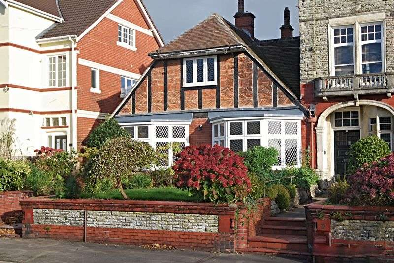 4 Bedrooms Semi Detached House for sale in Professionally renovated 4 bedroom period property Stow Park Avenue, Newport