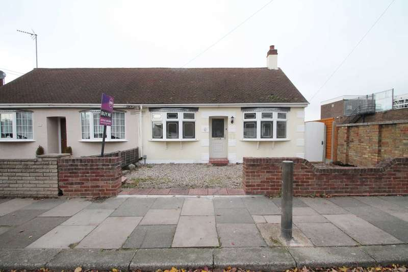 3 Bedrooms Semi Detached Bungalow for sale in Feeches Road, Southend On Sea